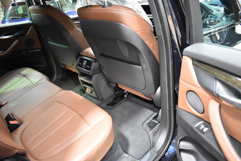 BMW X5 右リヤドア