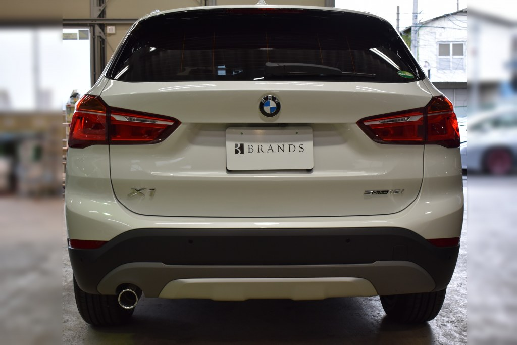 BMWX1リヤ正面