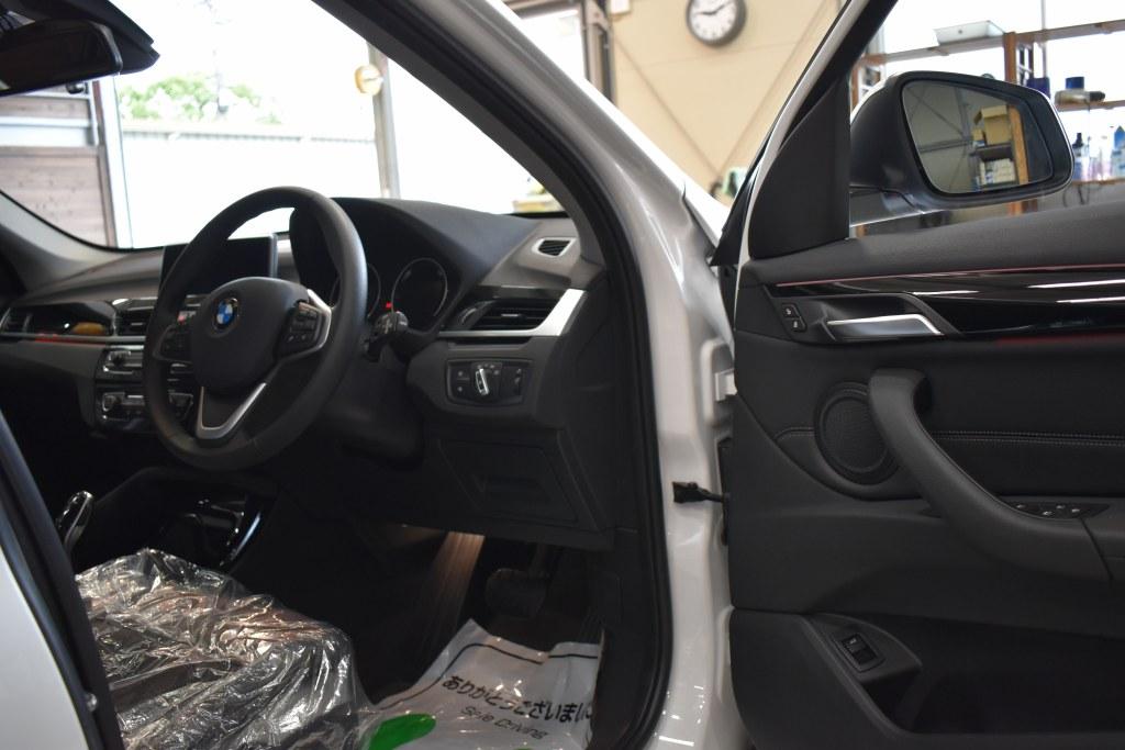 BMWX1運転席