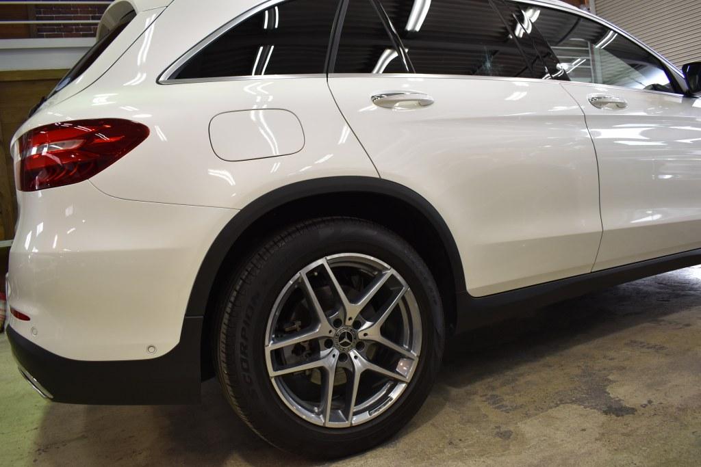 メルセデスベンツGLC200ダイヤモンドホワイト
