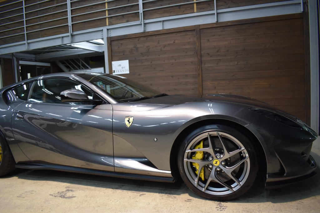 フェラーリ812スーパーファースト