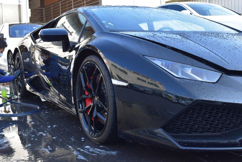 ランボルギーニウラカン洗車